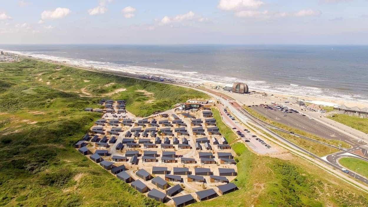 Duinhuisjes-Bloemendaal-aan-Zee-luchtfoto