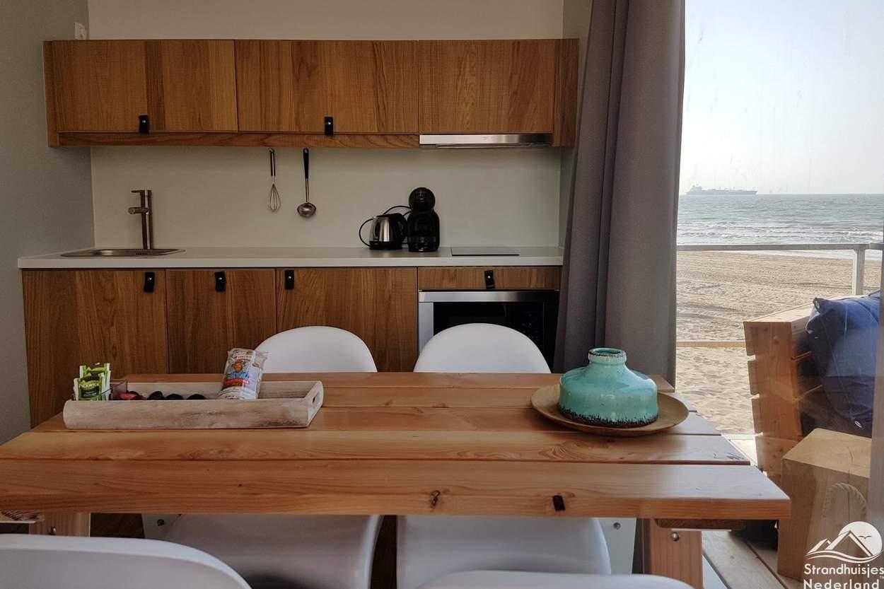 Keuken-strandhuisje-Nieuwvliet