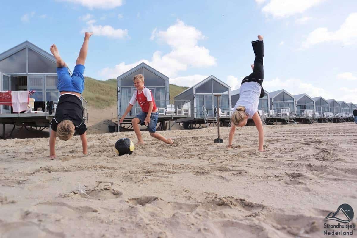Spelen-voor-de-strandhuisjes-1