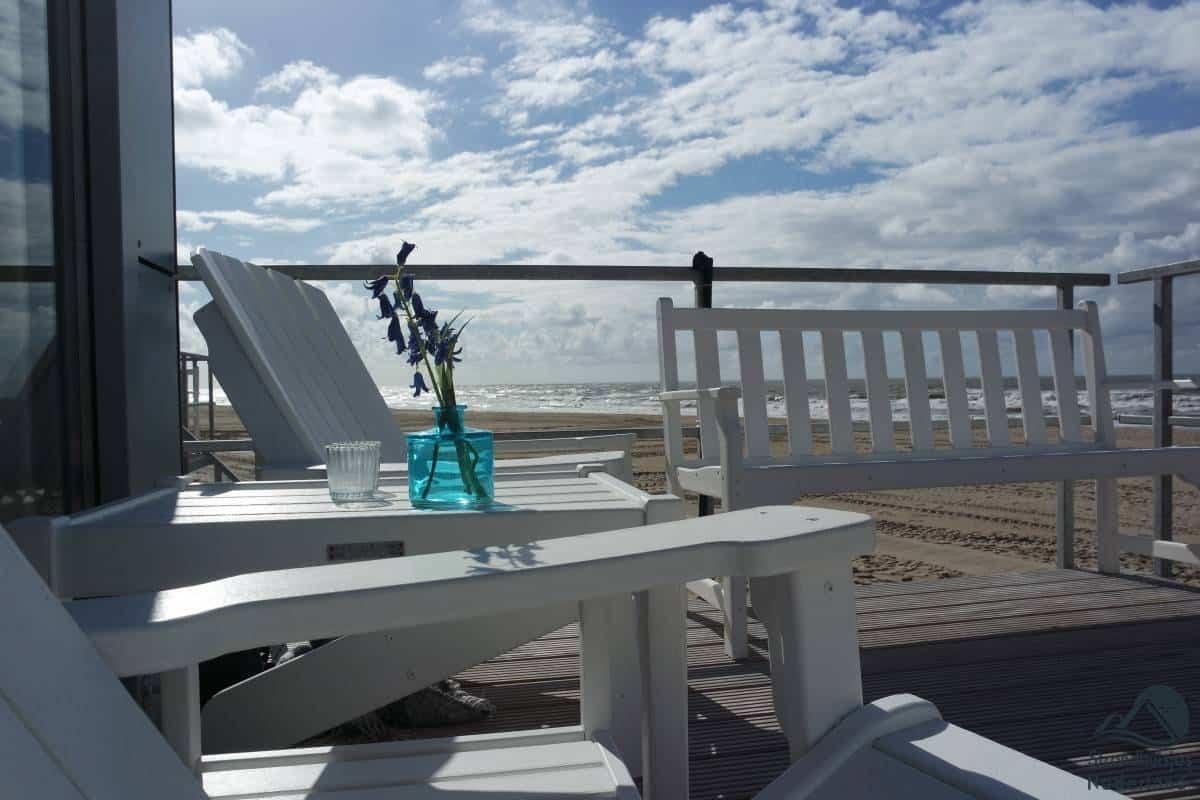 Strandterras-strandhuisje-Julianadorp