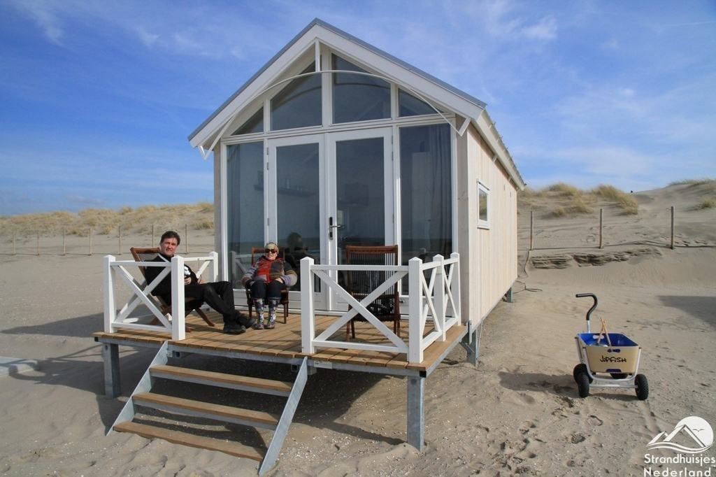 den haager strandh user ferienh user am strand von kijkduin. Black Bedroom Furniture Sets. Home Design Ideas