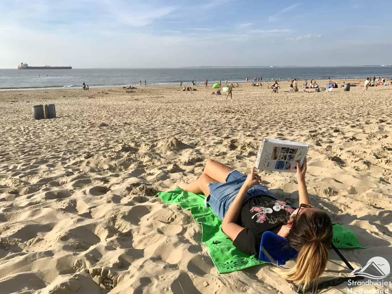 Y-ply - handig stoeltje voor op het strand (4)