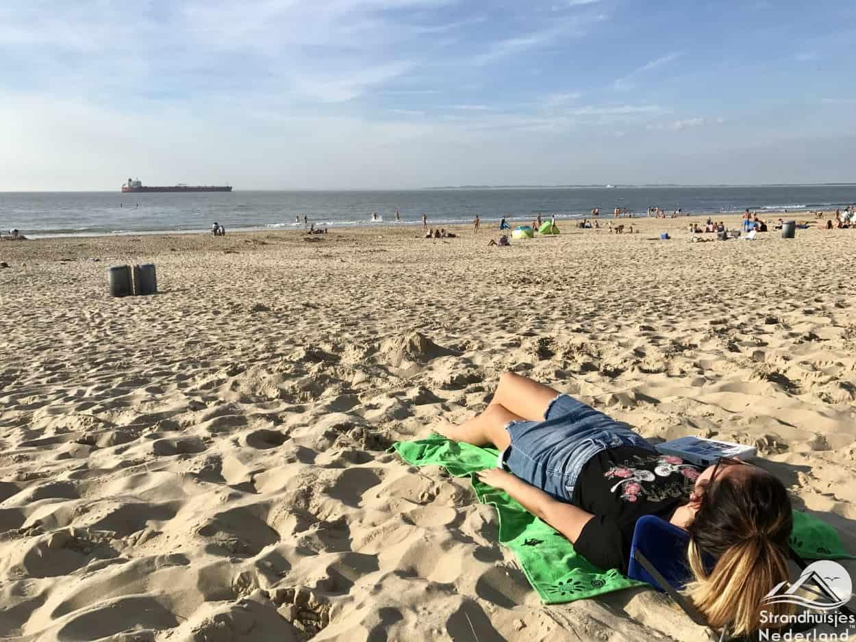 Y-ply - handig stoeltje voor op het strand (5)