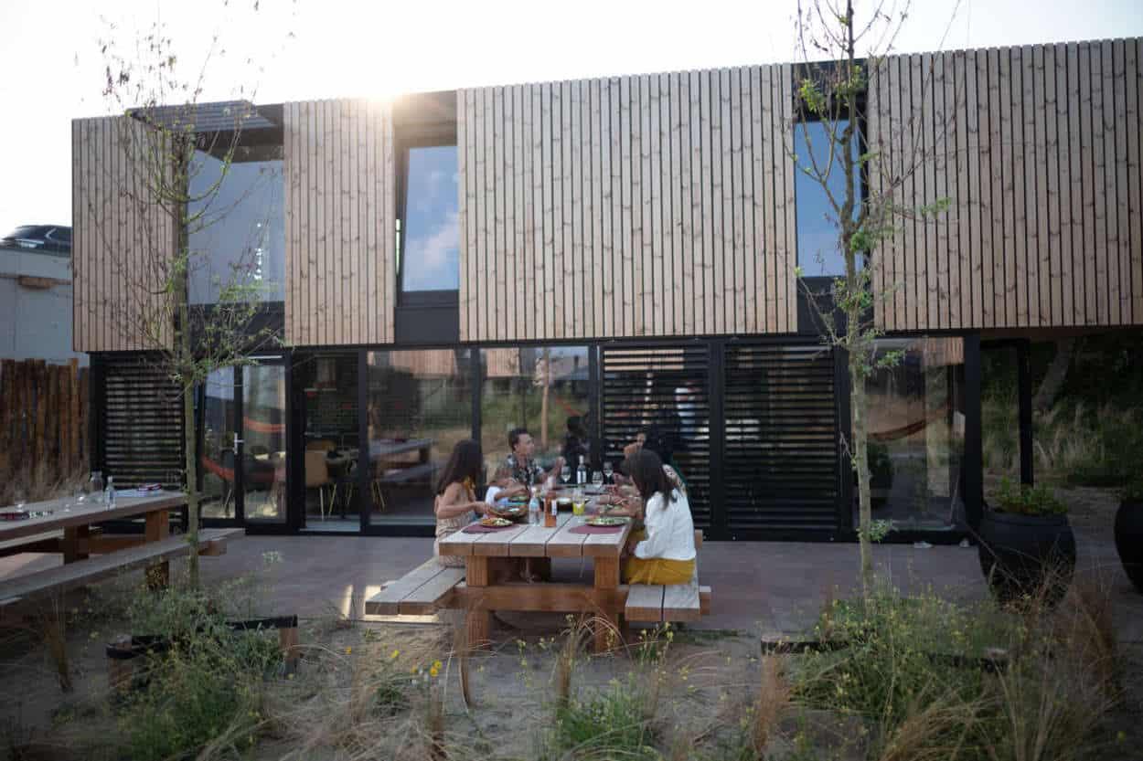 Familiediner vakantiepark Zandvoort buiten