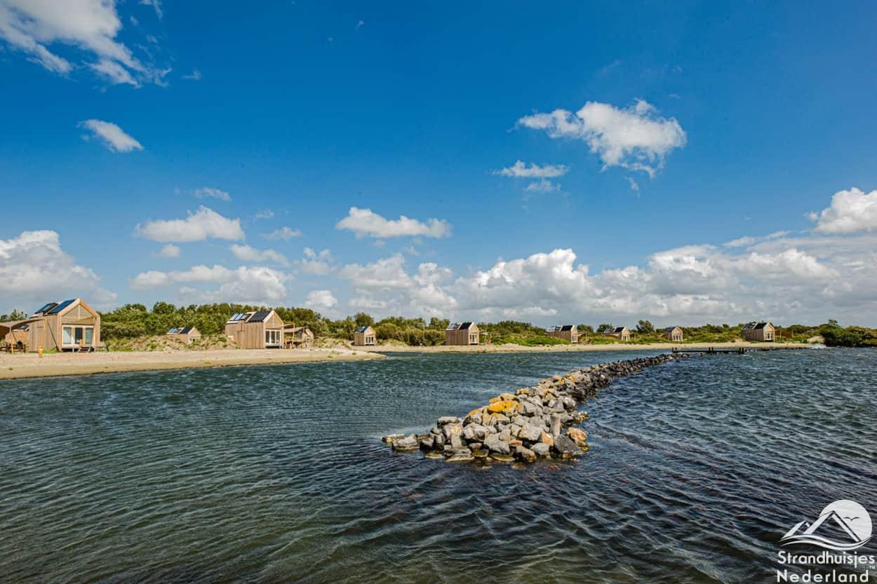 Grevelingen en strandhuisjes