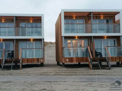 Strandhuisjes Hoek van Holland avond