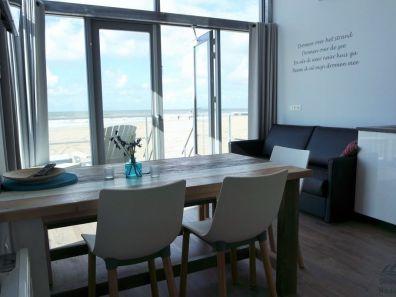 Interieur strandhuisjes Julaiandorp aan Zee