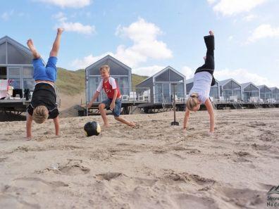 Spelen voor de strandhuisjes Julianadorp aan Zee